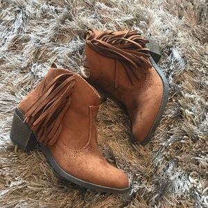 Brown ancle boots for big girls
